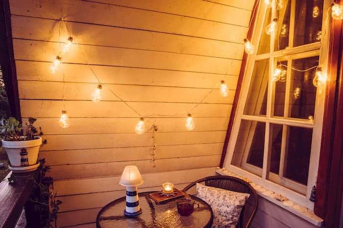 Balkon Dekorasyonu Işıklandırma