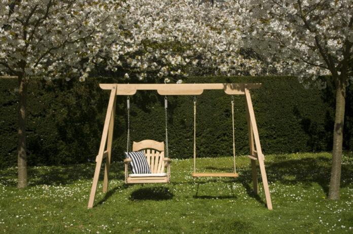 Yaz Günlerinin Vazgeçilmezi Bahçe Salıncağı