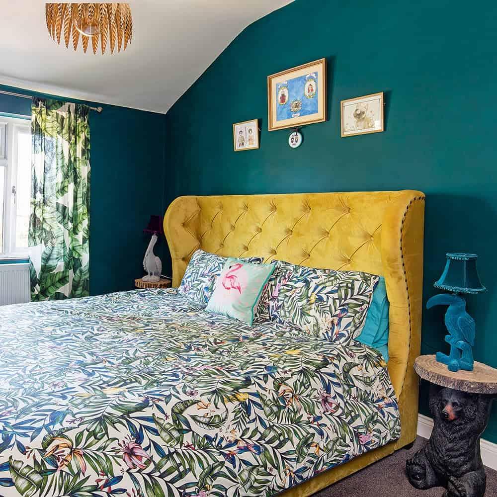Yeşil Fonlu Retro Yatak Odası
