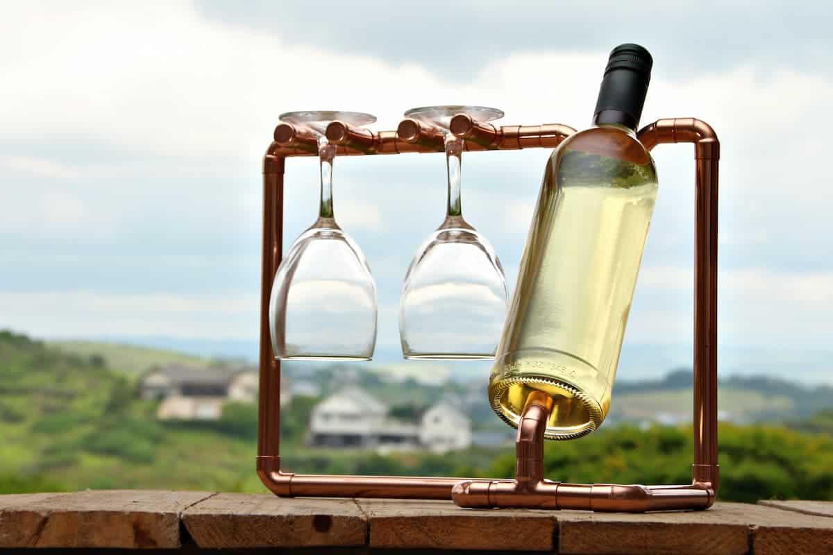 Borudan Yapılmış Şarap Standı