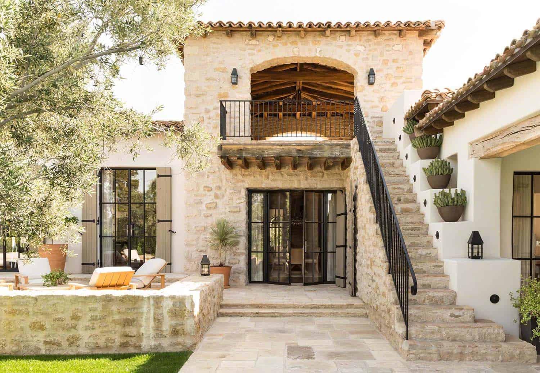 Akdeniz Stilini Yansıtan Rüya Gibi Bir Ev